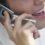 Parlare al cellulare fa male al gomito e ai nervi del braccio