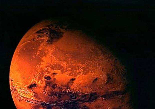 Italiani scoprono acqua allo stato liquido su Marte, possibile vita